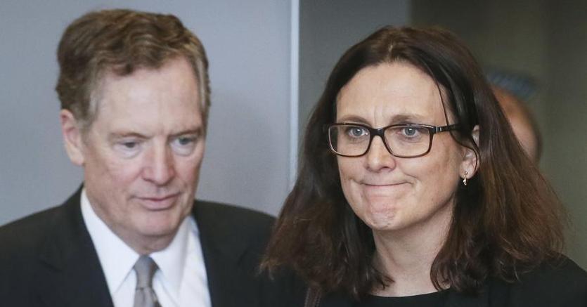 Il rappresentante Usa al commercio Robert Lightizer e il commissario Ue Cecilia Malmstroem